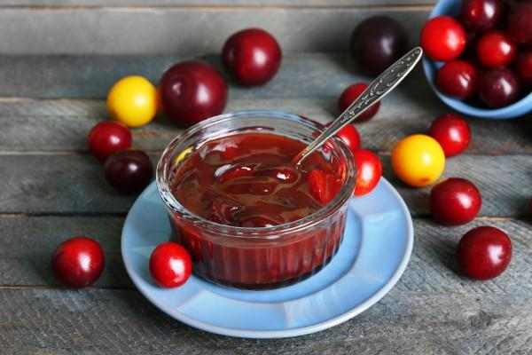 Рецепт                  Сливовый джем с яблоками и корицей