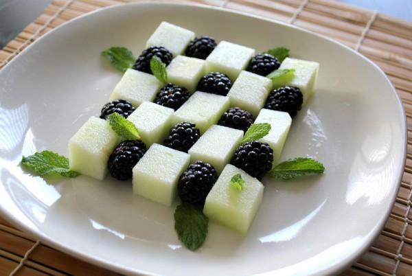 Рецепт                  Салат из ежевики и дыни