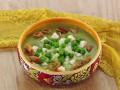 Крем-суп из зеленого горошка с ароматными хрустиками