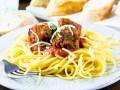 Спагетти с мясными шариками: три рецепта для обеда