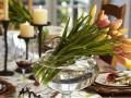 Украшаем праздничный стол цветами