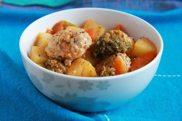 Рецепт                  Осеннее рагу с брокколи и мясными шариками