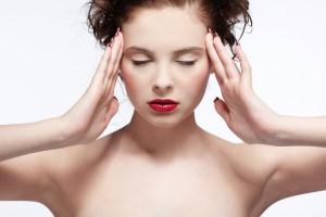 Пей больше воды, головная боль может быть следствием обезвоживания