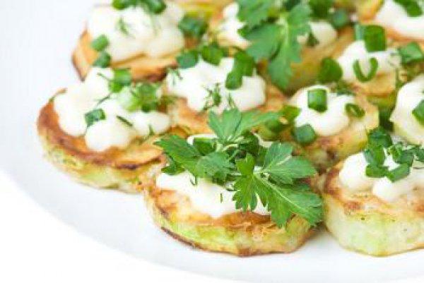 Рецепт                  Творожный крем с зеленью и чесноком