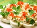 Как приготовить фаршированные яйца на Новый год (ВИДЕО)