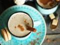 Кофе со взбитыми сливками и ликером