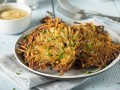 Картофельные блинчики с острым соусом