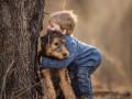 Видеохит: Встреча мальчика с найденной собакой растрогала Сеть