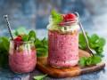 Детокс-смузи из ягод с семенами чиа