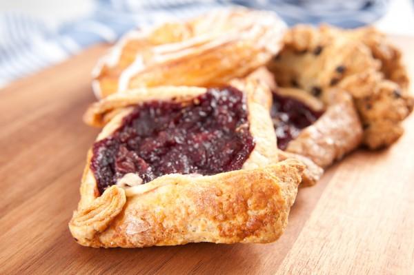 Рецепт                  Рождественский пост 2014-2015: Постные мини-пироги с вишней