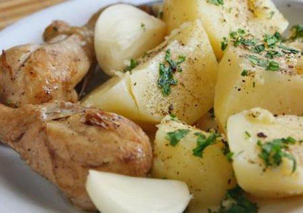 Рецепт                  Молодой картофель с зеленью и чесноком