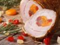 Рецепты на Рождество: Рулет из свинины с курагой и вишней