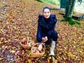 Влада Литовченко сходила за грибами в лес в сапогах от Chanel