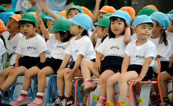 В японских школах детей учат чувствовать природу