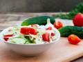 Весенний салат из редиса, огурцов и помидоров