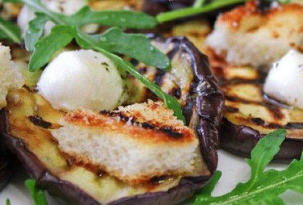 Рецепт                  Салат из баклажанов с моцареллой