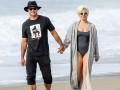 Lady Gaga и Тейлор Кинни провели день на пляже в Малибу