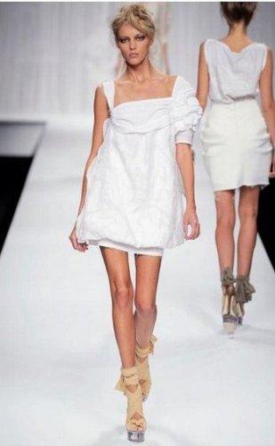 Правила, как носить белые вещи.