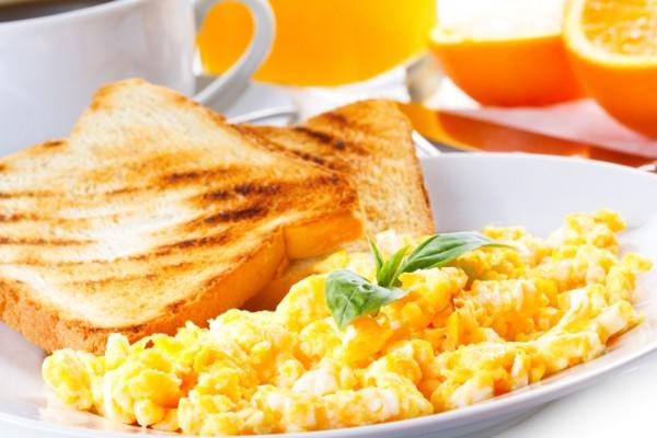 Рецепт                  Яйца-скрэмбл на завтрак