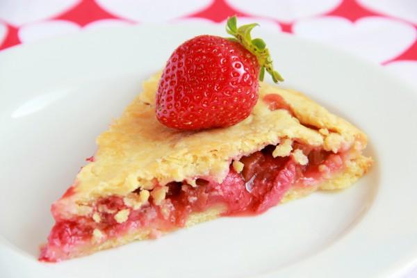Рецепт                  Американский пирог с клубникой и ревенем