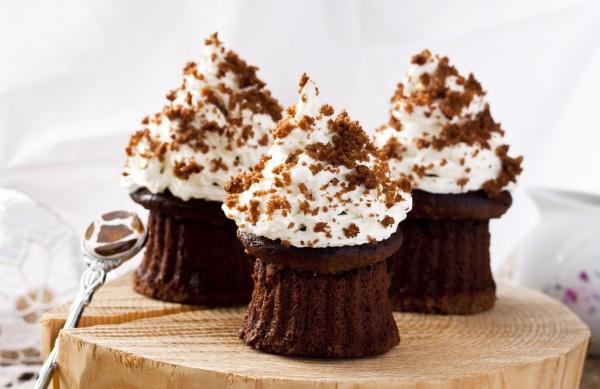 Рецепт                  Шоколадные кексы с кремом