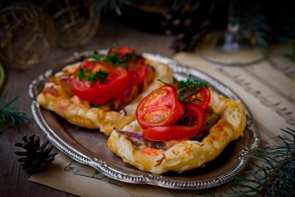 Рецепт                  Рецепты на Новый год: Слойки с овощами и семгой