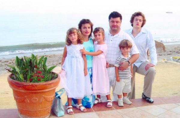 Петр Порошенко с женой Мариной и детьми