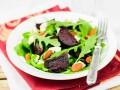 Летний салат из свеклы и рукколы