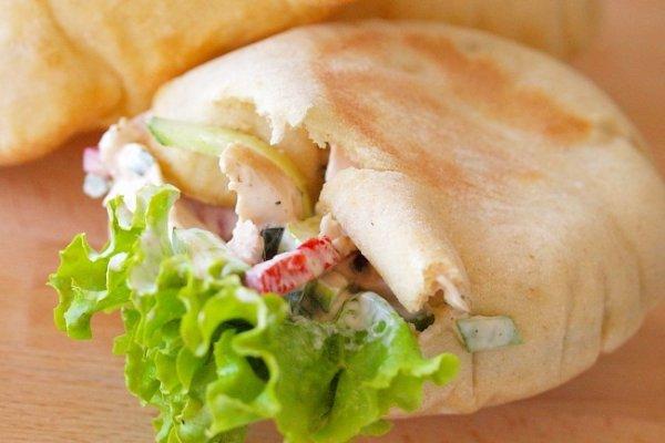 Рецепт                  Пита с салатом из курицы и овощей