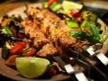 Как приготовить шашлык из свинины (ВИДЕО)