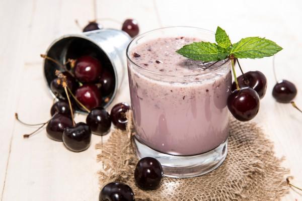 Рецепт                  Молочный коктейль с черешней