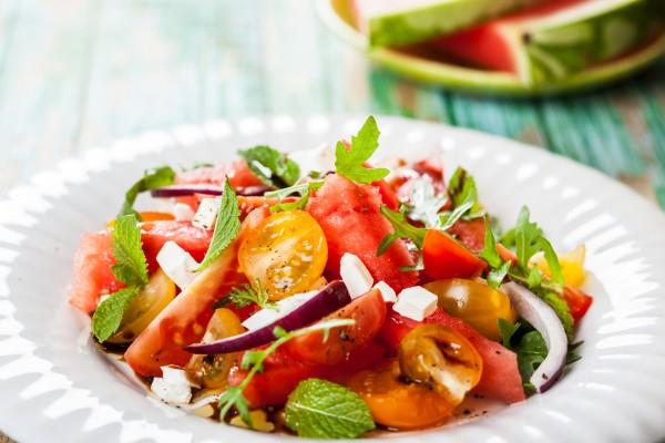 Рецепт                  Салат из арбуза, помидоров и феты