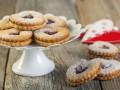 Как приготовить печенье в виде сердечек (видео)