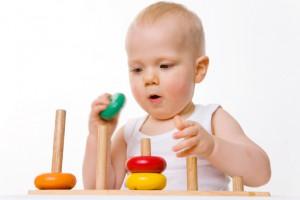 Приучай ребенка играть в одиночестве, максимум 15 минут в день