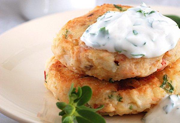 Рецепт                  Рыбные котлеты с йогуртовым соусом