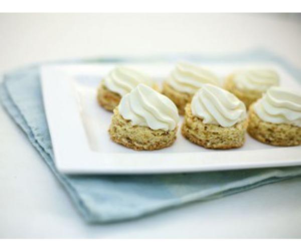 Рецепт                  Ореховые пирожные со сливками