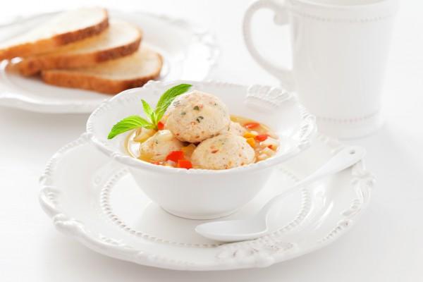 Рецепт                  Куриные тефтели, фаршированные помидорами