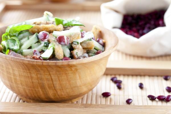 Рецепт                  Зимний салат с беконом и красной фасолью