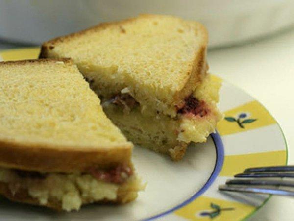Рецепт                  Гренки с миндалем и ягодами