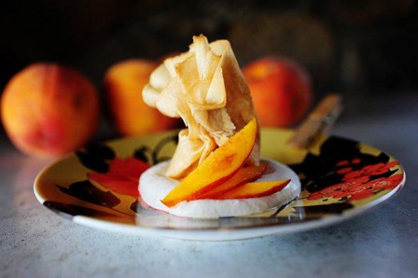 Рецепт                  Тонкие блинчики с персиками