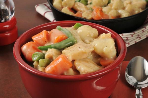 Рецепт                  Тушеная курица с клецками