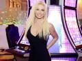 Стройная Бритни Спирс похвасталась фигурой в пикантном видео