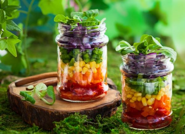 Рецепт                  Слоеный овощной салат в банке