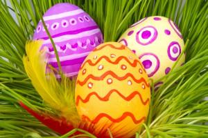 Узнай, почему принято красить яйца на Пасху