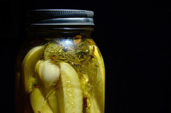Рецепт                  Маринованные и соленые огурцы: в чем отличие?