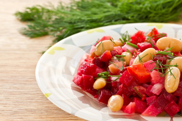 Рецепт                  Салат из свеклы с фасолью и яблоками