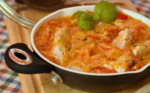 Рецепт                  Филе кролика в томатно-сливочном соусе