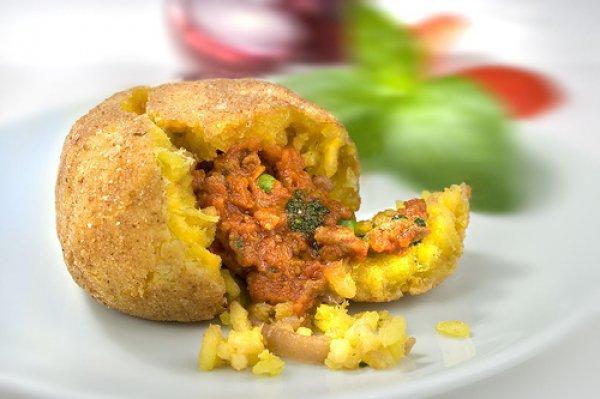 Рецепт                  Рисовые аранчини с мясным фаршем и сыром