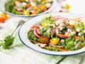 Рецепты на 8 марта: ТОП-5 весенних салатов