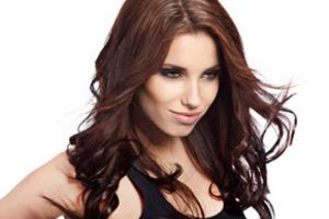 Чтобы волосы сияли здоровьем, им необходим комплекс витаминов и минералов